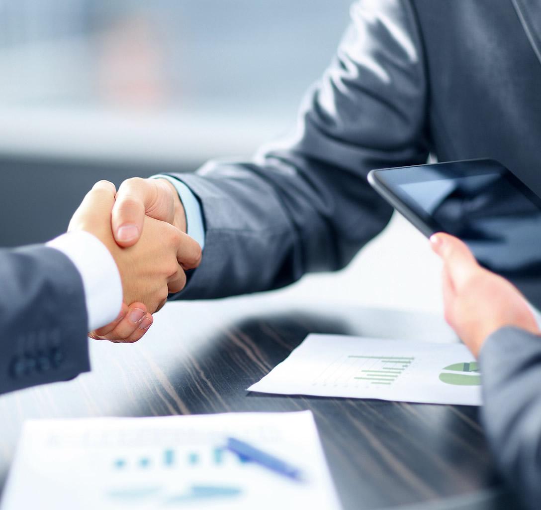 Sprísnenie podmienok úverov pre podnikateľov je realitou