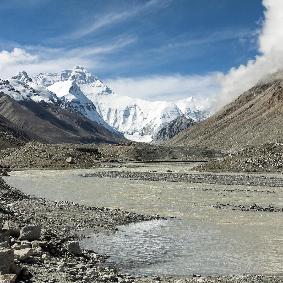 Z odpadu na Mount Everest budú vytvorené umelecké diela