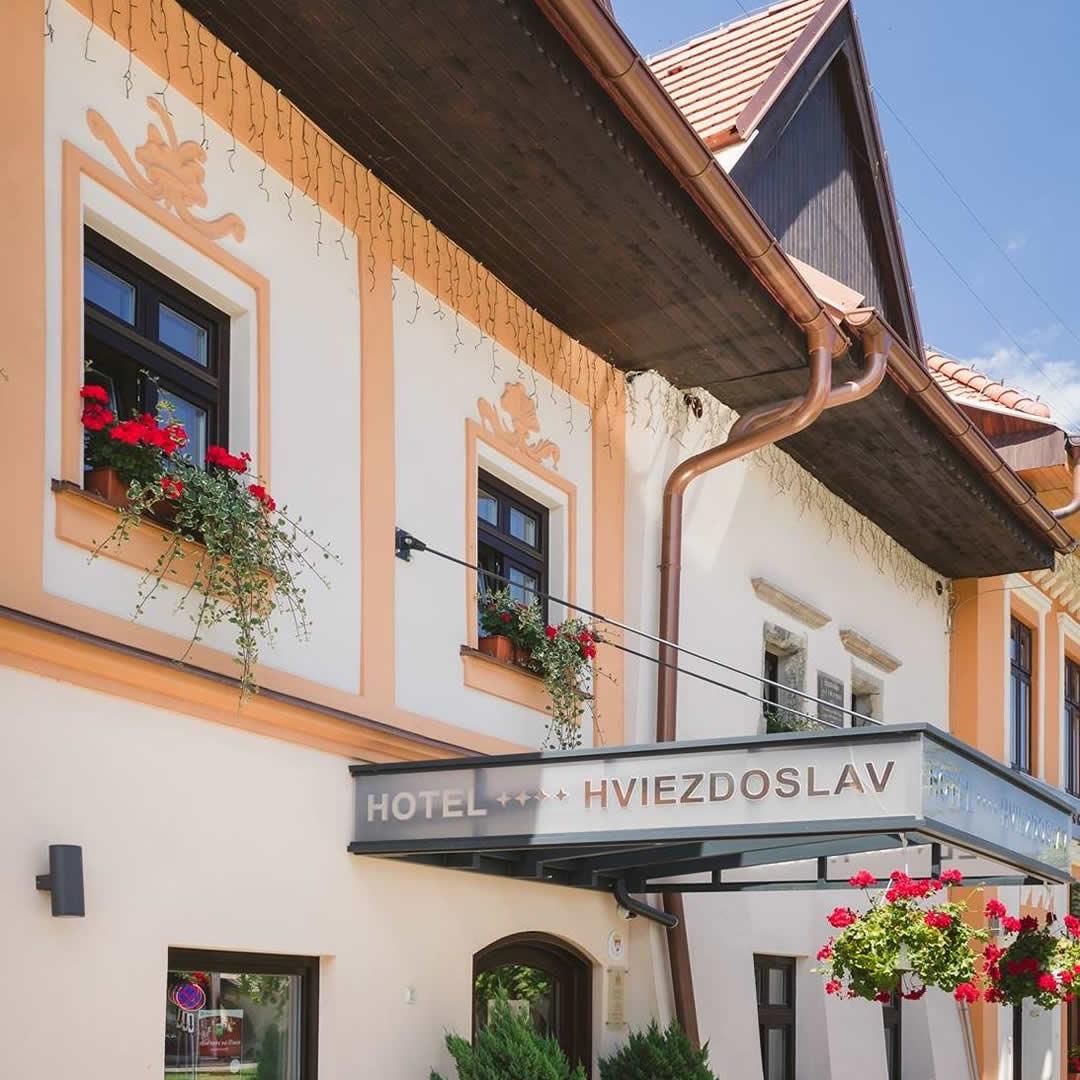 Rozprávali sme sa s riaditeľkou výnimočného hotela Hviezdoslav. Pozrite na tie prestížne ocenenia!