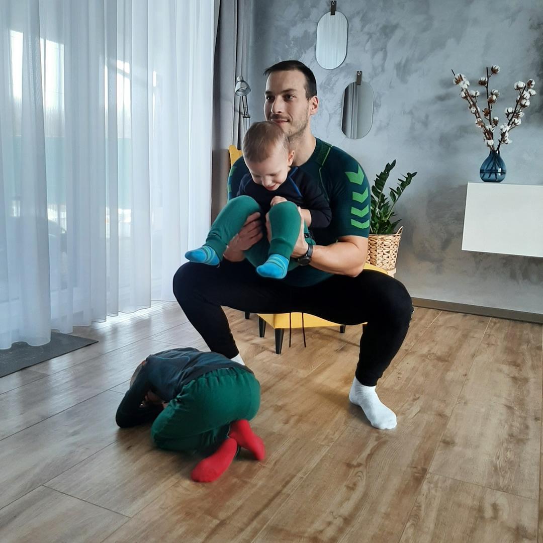 """Tréner Ľuboš: """"Zaťažte telo, zabavte deti. Cvičte spolu!"""""""