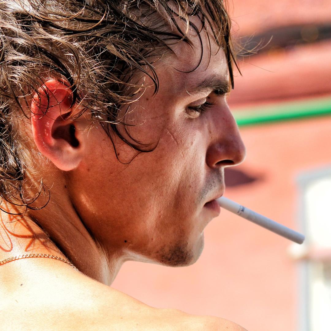 """Rozhovor s pneumológom: """"Tabak je drogou chudobných a osôb závislých na rôznych omamných látkach."""""""