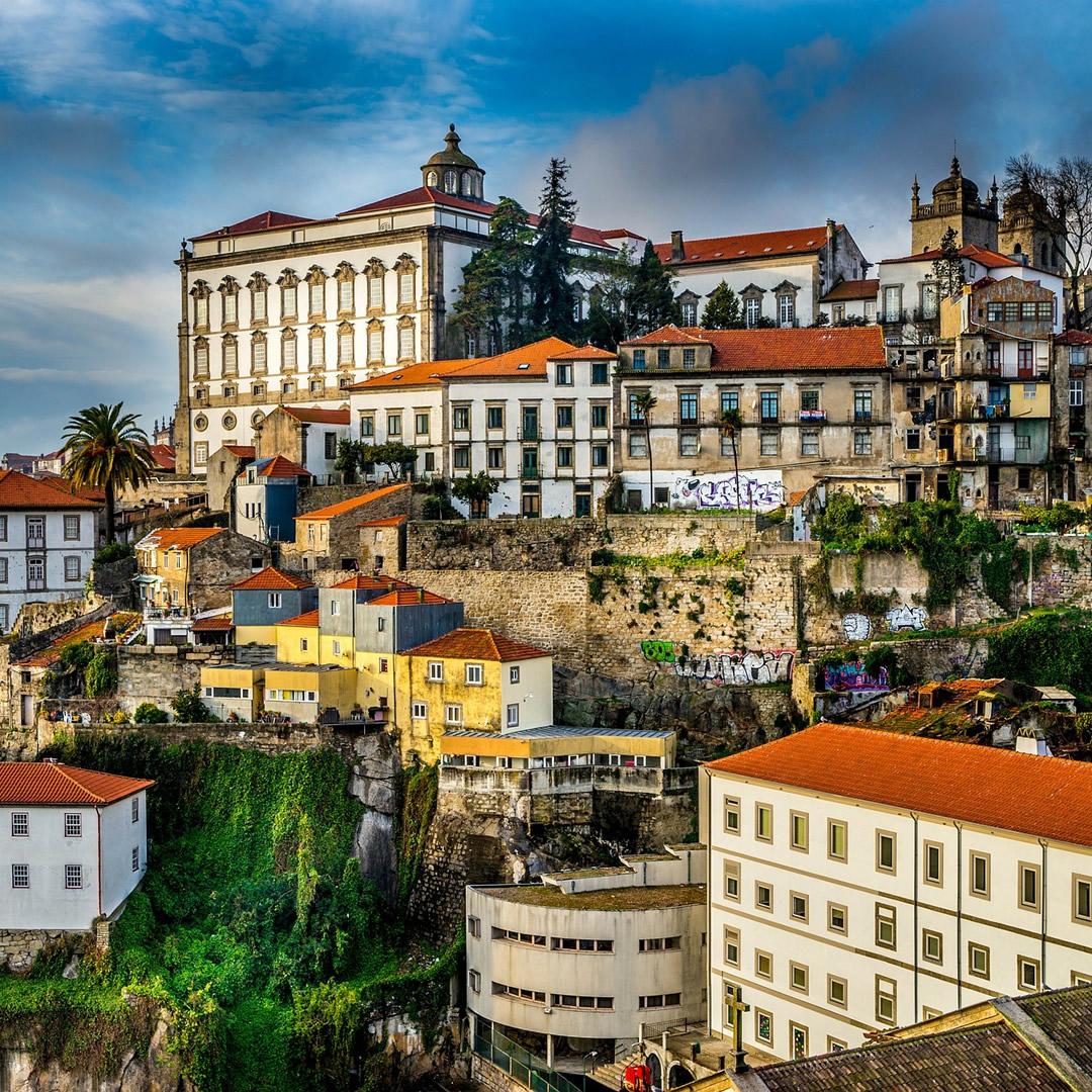 Portugalsko otvorilo najdlhší peší, visutý most na svete. Atrakcia, ktorá nie je pre slabé povahy!