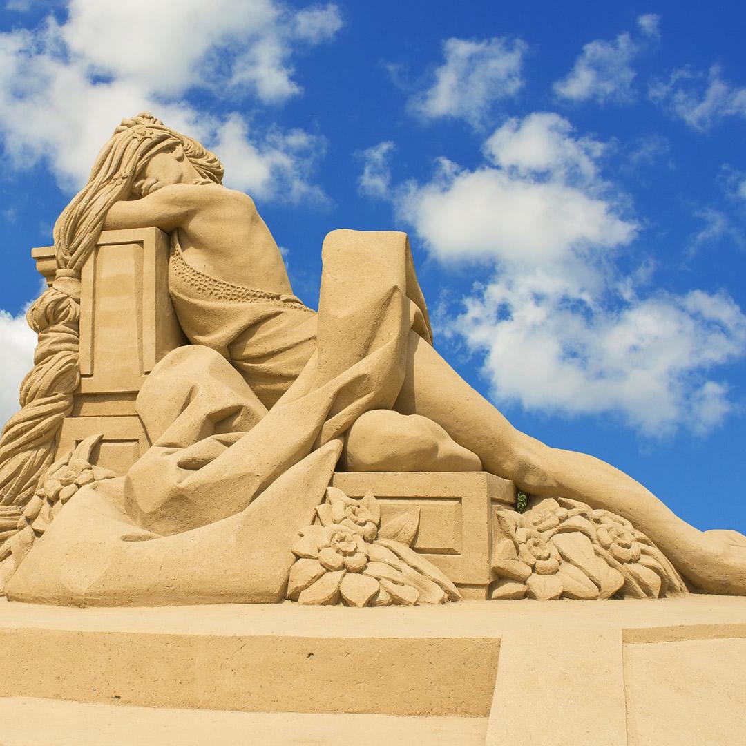 Bojnice majú novú atrakciu. Pozrite si nádherné pieskové sochy