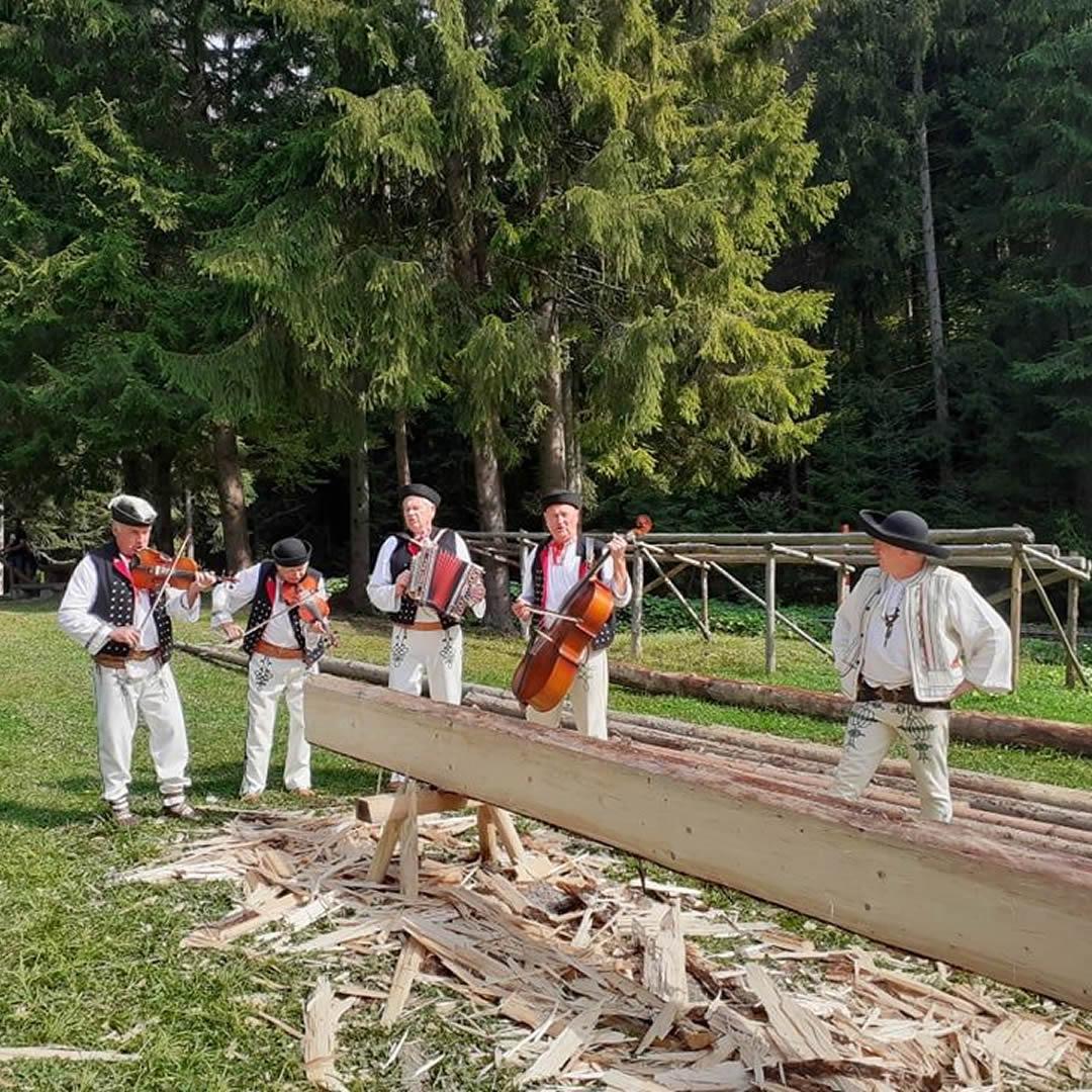 Múzeum kysuckej dediny pozýva návštevníkov na Deň dreva