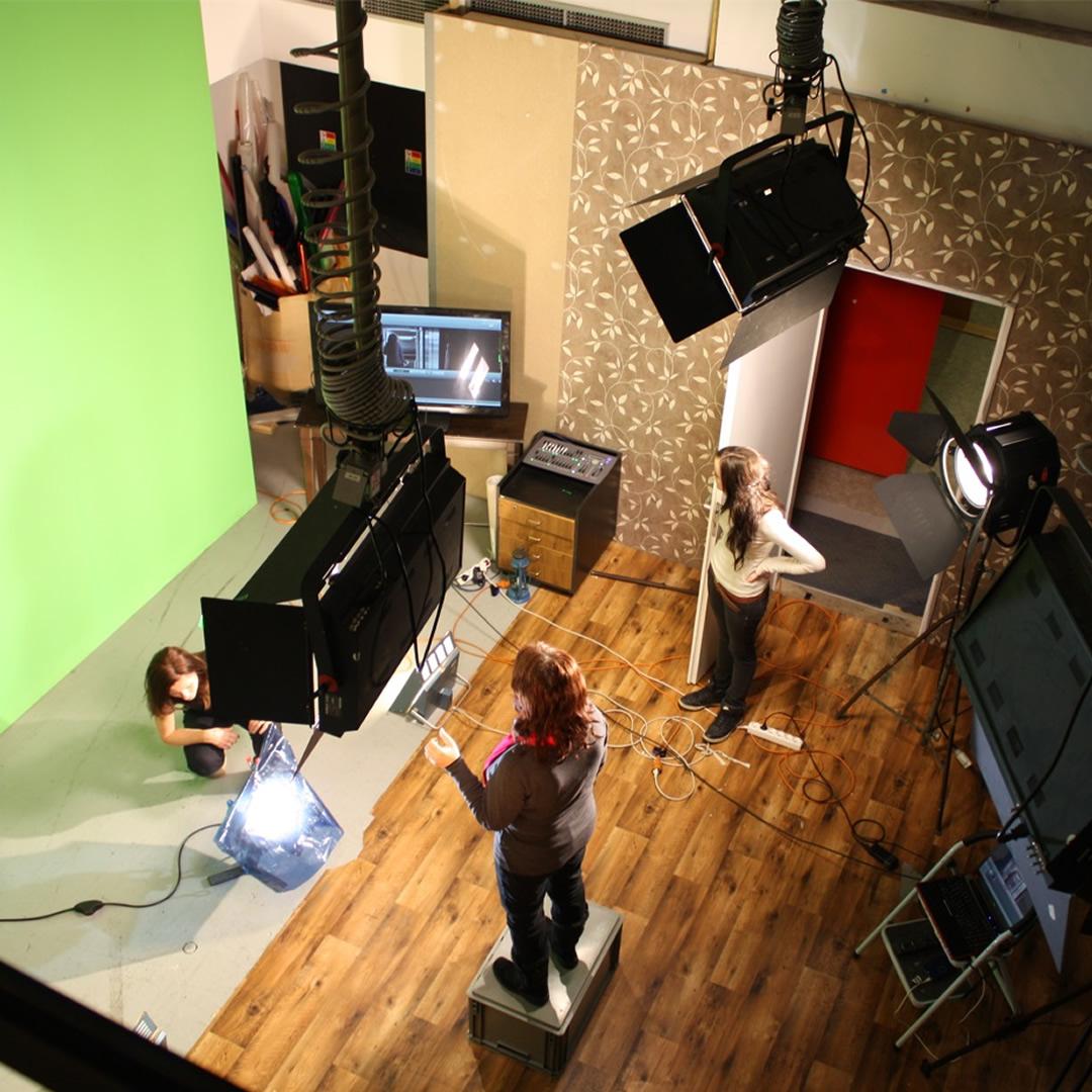 Aj vy sa môžete stať filmárom - VŠMU otvára kurz pre verejnosť!