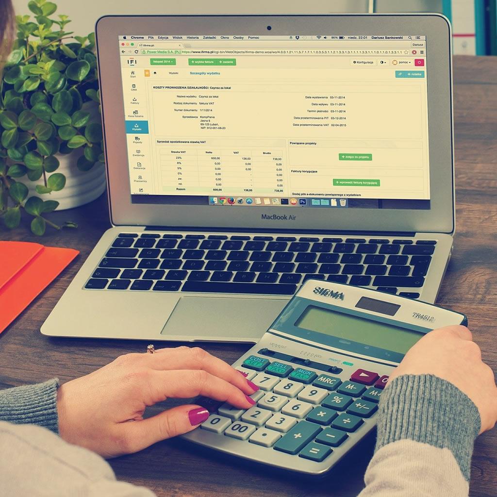 Ekonomika stagnuje, prístup k úverom bude ťažší